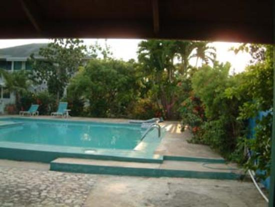 White Sands Negril: Pool (Garden side)