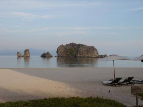 Tanjung Rhu Resort: Yes you got it the beach again after sunset