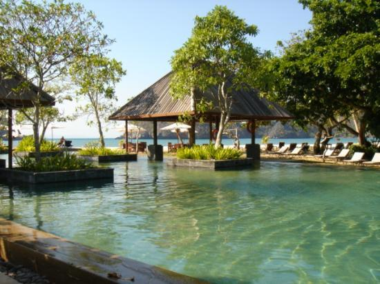 Tanjung Rhu Resort: The pool