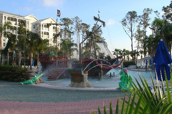 Marriott's Harbour Lake: Pirate Ship Swimming Pool