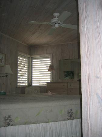 Regatta Point: bedroom