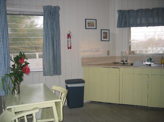 Regatta Point: kitchen