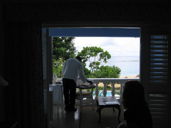 Jamaica Inn: Room service...