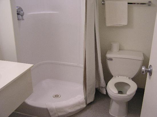 Motel 6 Blythe: Bath