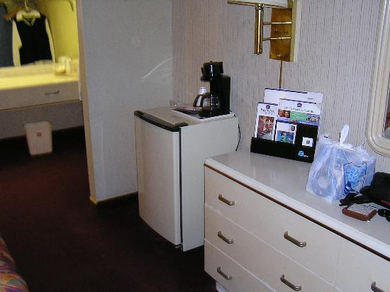 Best Western Pasadena Royale Inn & Suites: room