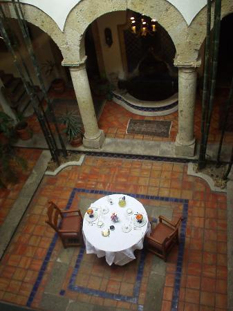 Old Guadalajara Bed and Breakfast: Breakfast awaits