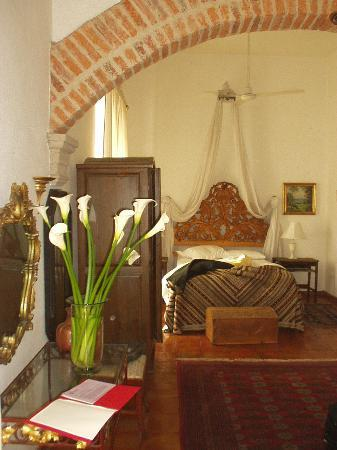 Old Guadalajara Bed and Breakfast: Back Bedroom