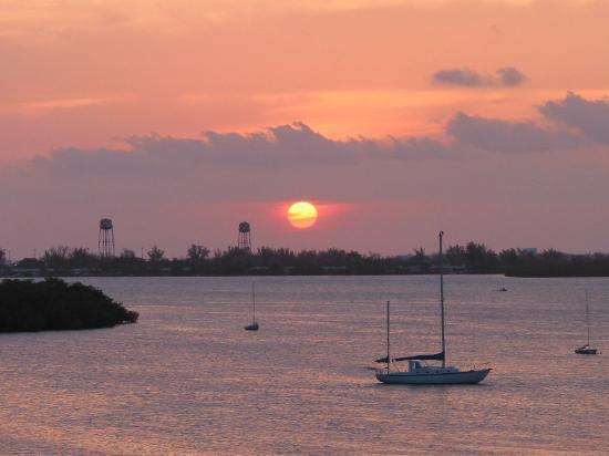 Hyatt Residence Club Key West, Beach House : sunset from the 3rd floor deck