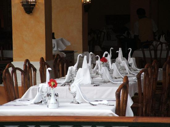 Iberostar Paraiso Del Mar: Buffet Restaurant Tables