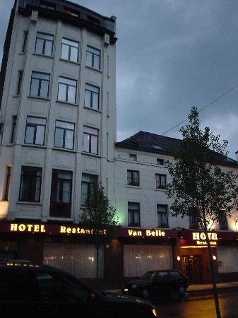 Anderlecht, Belgien: Hotel Van Belle late evening