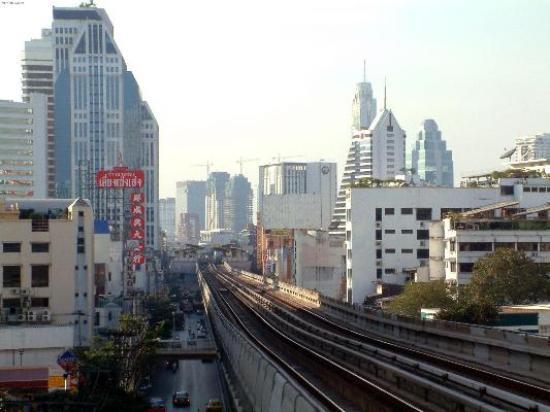 Landmark Bangkok: Sukumvit Skytrain Line; Landmark Hotel is on the left near the staion just visible down the...