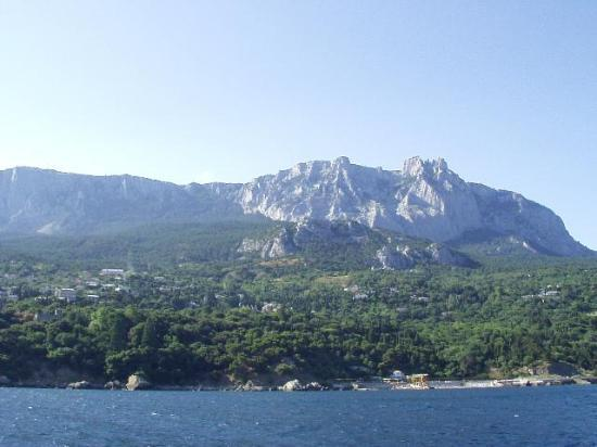 Seasons Hotel: Ay Petri Mountain from the Black Sea