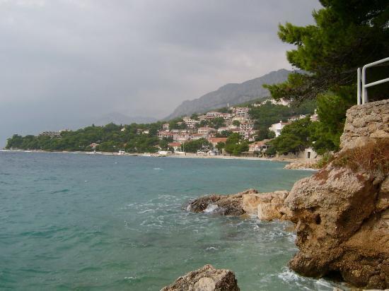 Brela cliff path