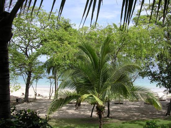 Four Seasons Resort Costa Rica at Peninsula Papagayo: View of Beach from Small Pool
