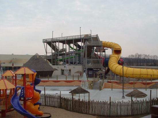 Kalahari Resorts & Conventions: Outside waterpark view and playground