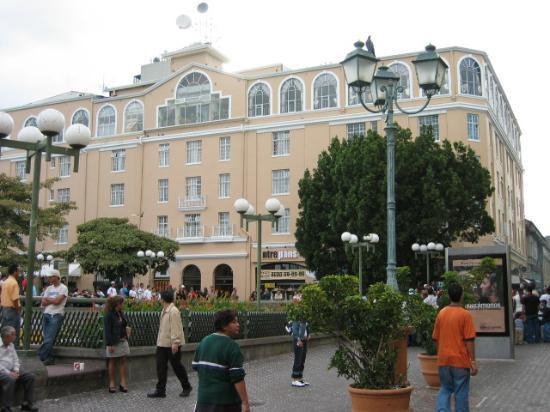 San Jose, Costa Rica: Historic Bldg in Plaza de la Cultura