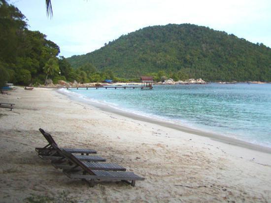 Pulau Perhentian Besar, Malaysia: Beach next to the hotel
