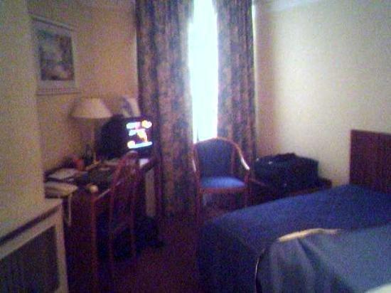 Atlantic Hotel:                   A double bedroom