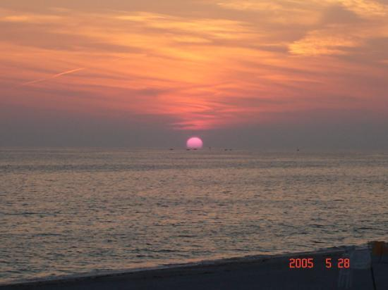 Sandcastle Resort at Lido Beach : almost the end of the sunset