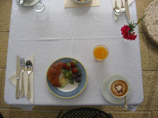 Casa Portagioia - Tuscany Bed and Breakfast: Breakfast Capucinno