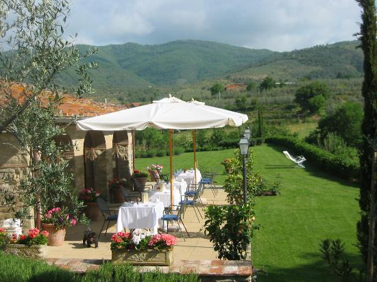 Casa Portagioia - Tuscany Bed and Breakfast: View from Breakfast Terrace