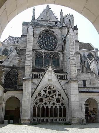 ‪Cathedrale Saint-Etienne‬