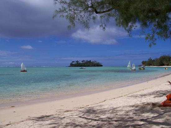Pacific Resort Rarotonga : View of Motu in front of Hotel