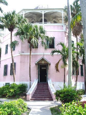 Nassau Public Library & Museum
