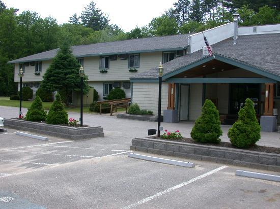 Eastern Inns : Front of motel