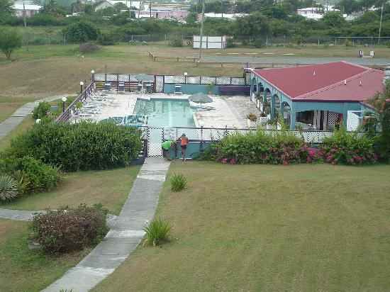 Club St. Croix Beach and Tennis Resort: Pool and Breezes Restaurant