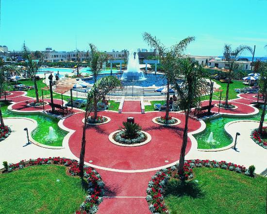 Faros Hotel: Pool Area