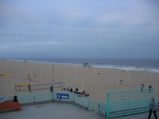 Hawthorn Suites by Wyndham Manhattan Beach: Beach (a mile from the hotel)