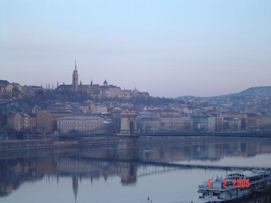 Budapest Marriott Hotel : River view from Balcony Day