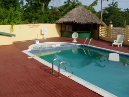 Hilltop Village Resort: Pool