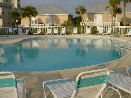 Maravilla Resort : Second pool (heated seasonally)