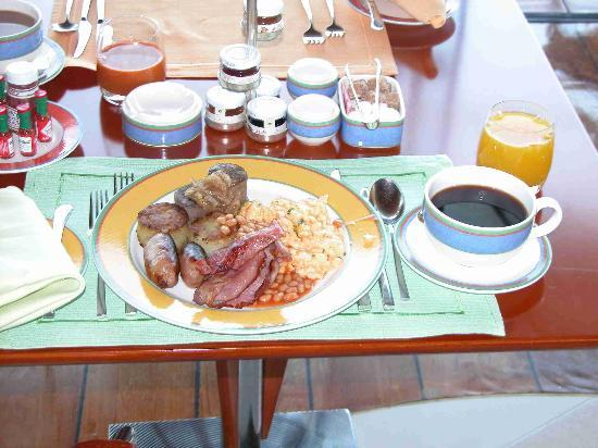 Burj Al Arab Jumeirah: fillet staek breakfasts at bab al yams