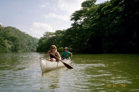 Black Rock Lodge: Canoeing the Macal