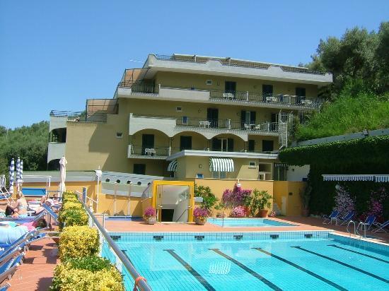 BEST WESTERN Hotel La Solara: Hotel & Pool