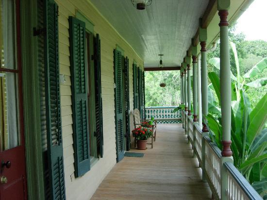 Maison des Amis: The verandah
