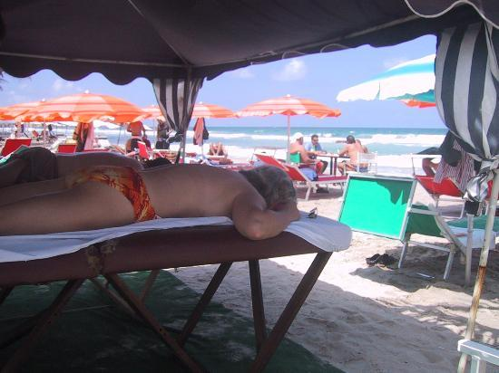 Costa Linda Beach: Massage