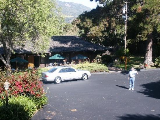 Carmel Valley Lodge : Time for morning coffee