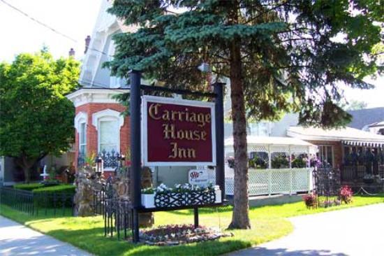 Carriage house inn updated 2017 hotel reviews saratoga for Hotels saratoga springs new york