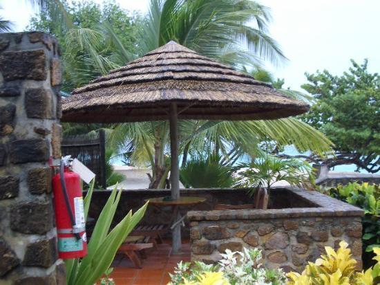 Palm Island Resort & Spa : patio of beachfront villa