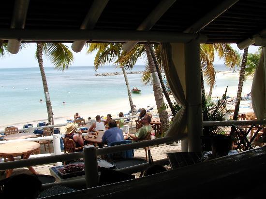 Windjammer Landing Villa Beach Resort: Beach view from Jammers.
