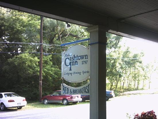 Cashtown Inn : Sign on front porch