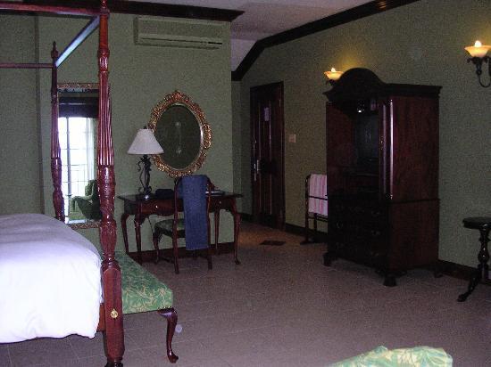 Sandals Royal Plantation: Suite entrance area