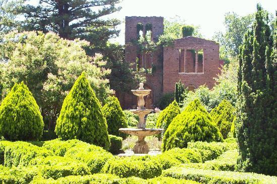 Barnsley Resort: Manor House Ruins
