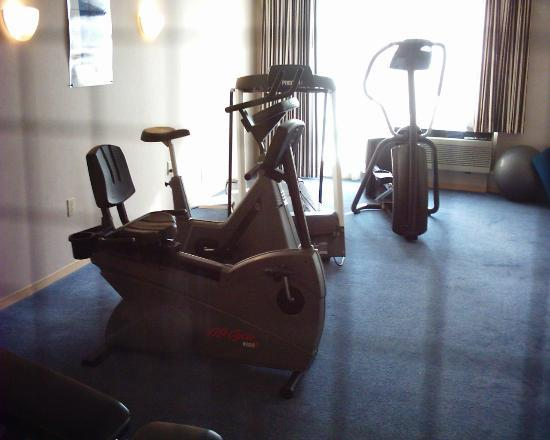 DoubleTree Club by Hilton Hotel Boston Bayside : Fitness room