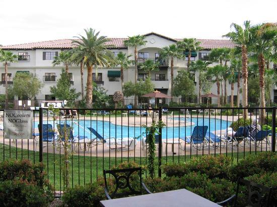 Tuscany Suites & Casino: the pool at Tuscany Suites