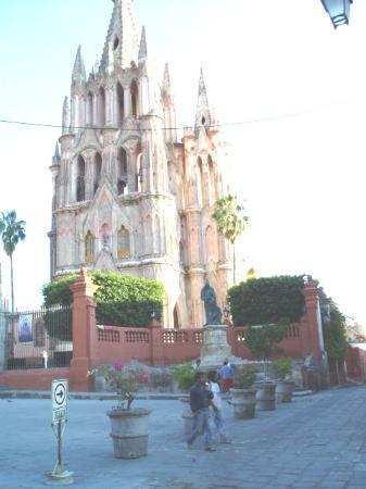 Rancho Hotel El Atascadero: La Parroquia Church
